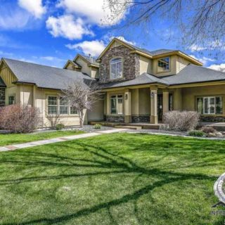 Pinedale Eagle Idaho Home
