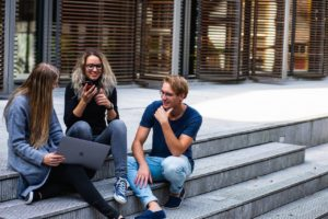 millennials use the internet to find a new home